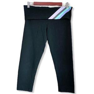 Victoria's Secret 3/4 Yoga Pants Black Size Medium